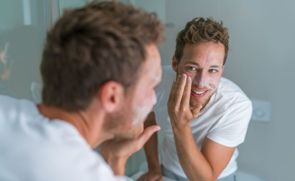 Best Face Wash for Men With Acne