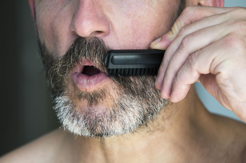 Guide on How to Brush Your Beard